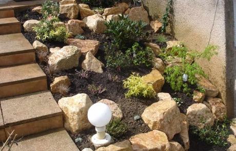 Création d'une rocaille en pierre de Bourgogne (2013)